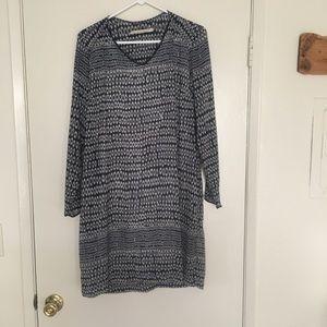 Dresses & Skirts - Acote Shift Dress.